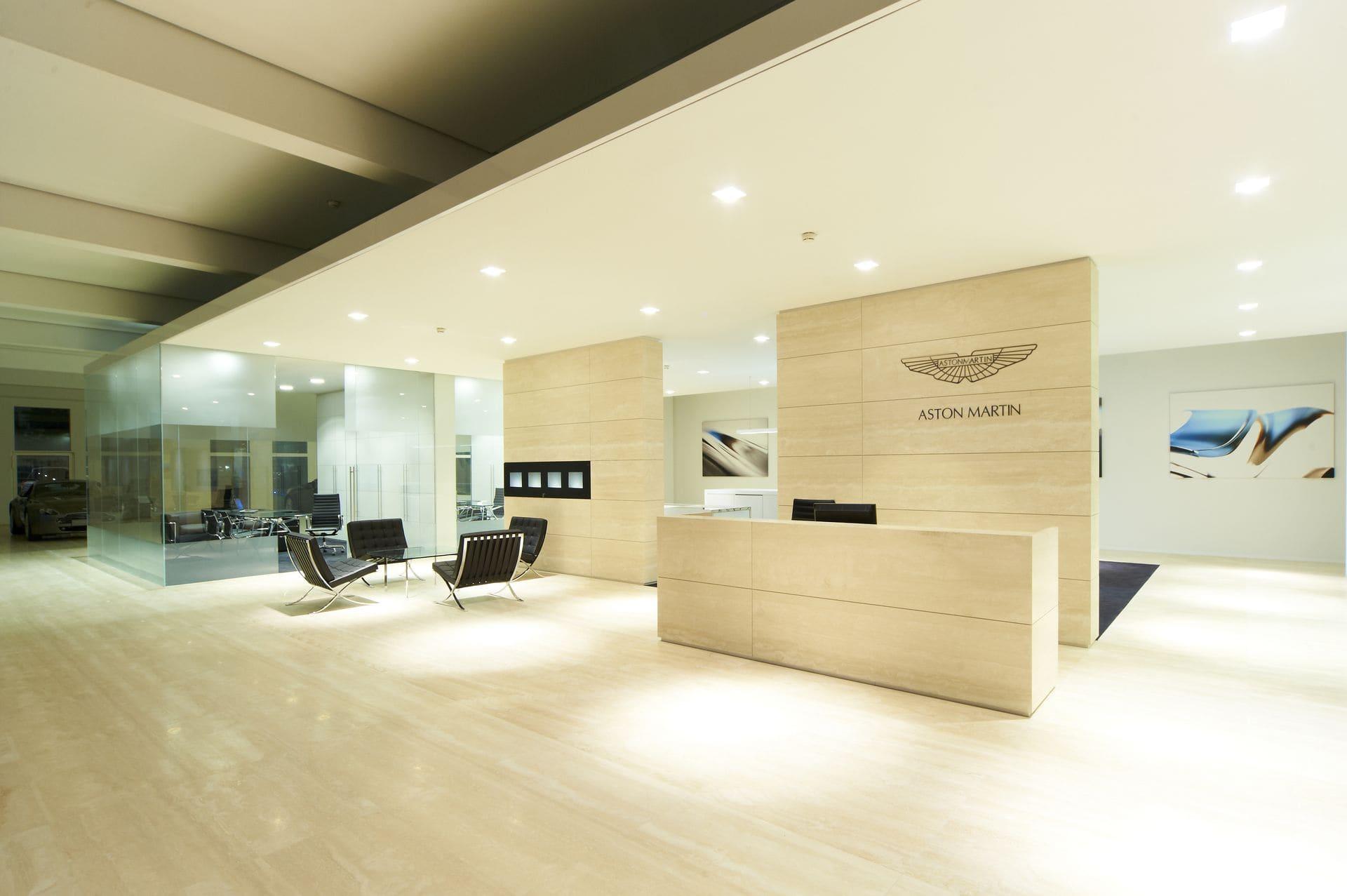 Aston Martin 38 s2500 - Aston Martin Wien Showroom